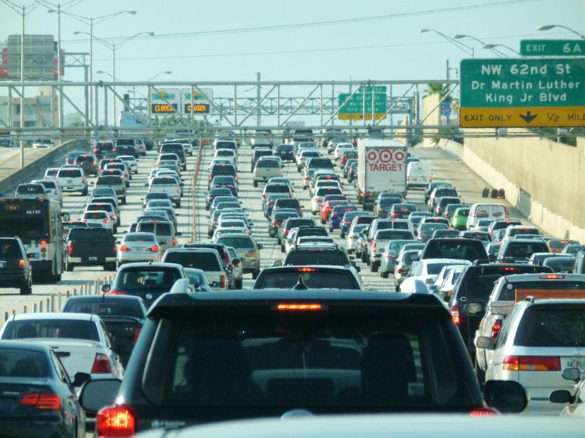 Miami_traffic_jam,_I-95_North_rush_hour